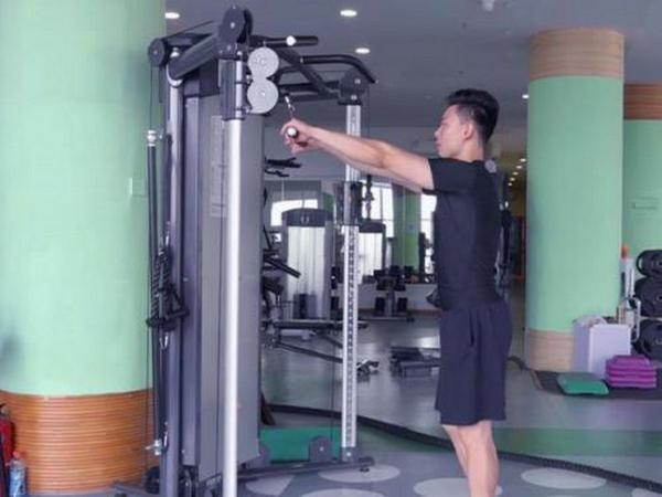 做好这个训练动作,助你的后背持续变厚