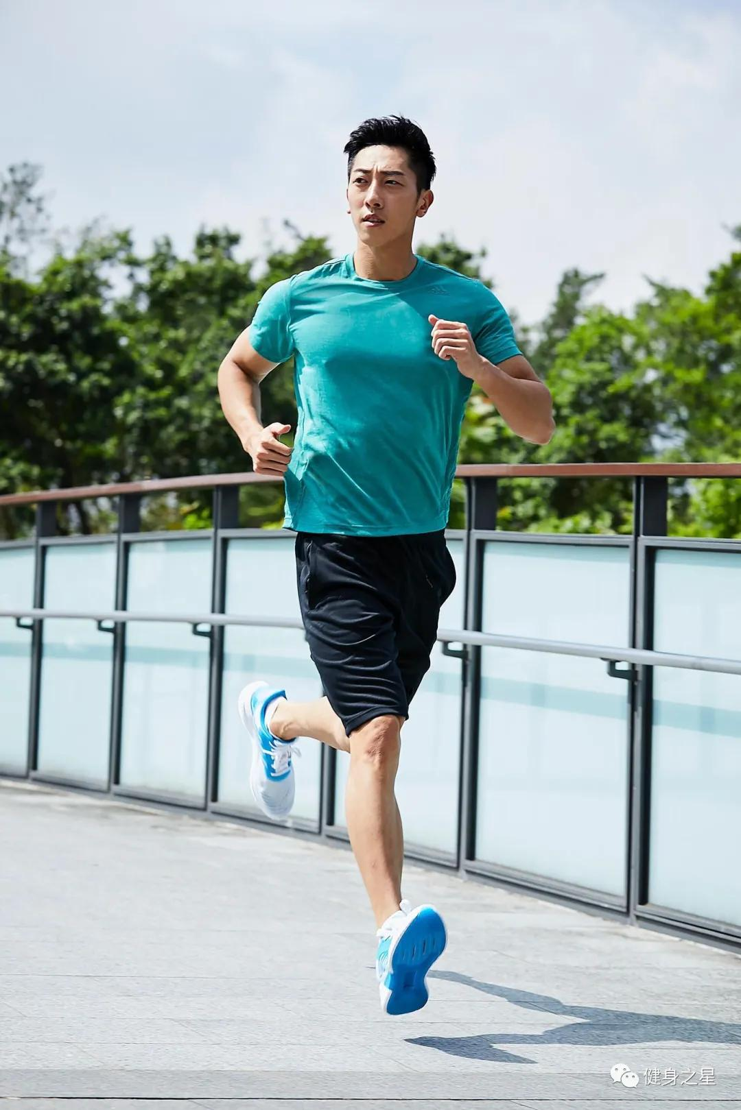 28岁台湾模特,浓眉大眼五官立体,肌肉身材具有视觉冲击